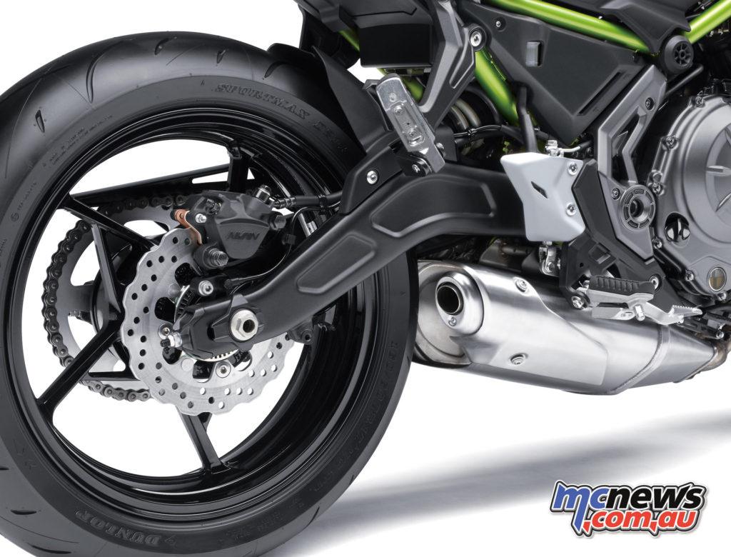 2017 Kawasaki Z650 - single-piston rear caliper, lightweight five-spoke wheel