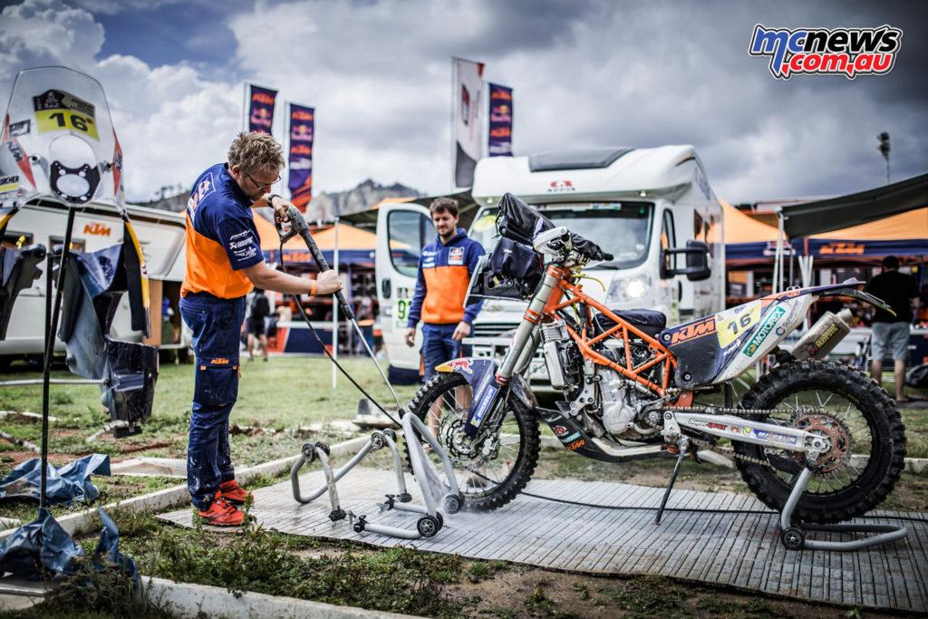 Dakar 2017 - KTM's Matthias Walkner's machine at the bivouac - Image: Marcin Kin