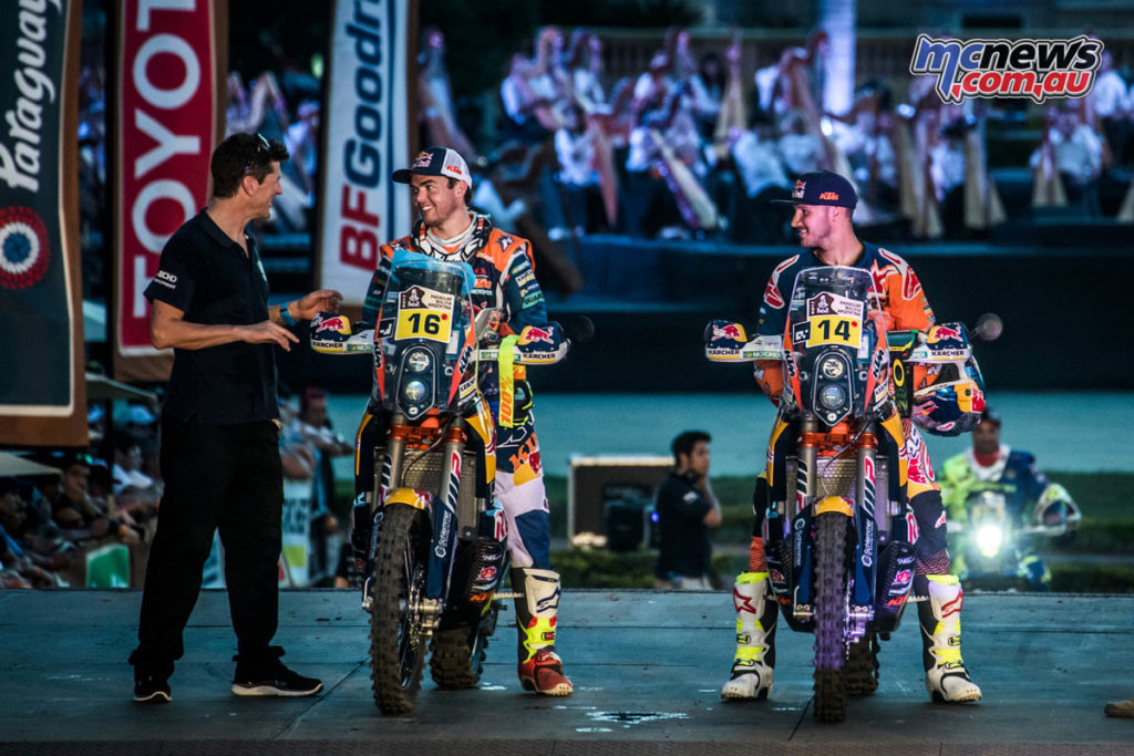 Dakar 2017 - Stage 1 - Marc Coma, Matthias Walkner, Sam Sunderland - Image: Marcin Kin