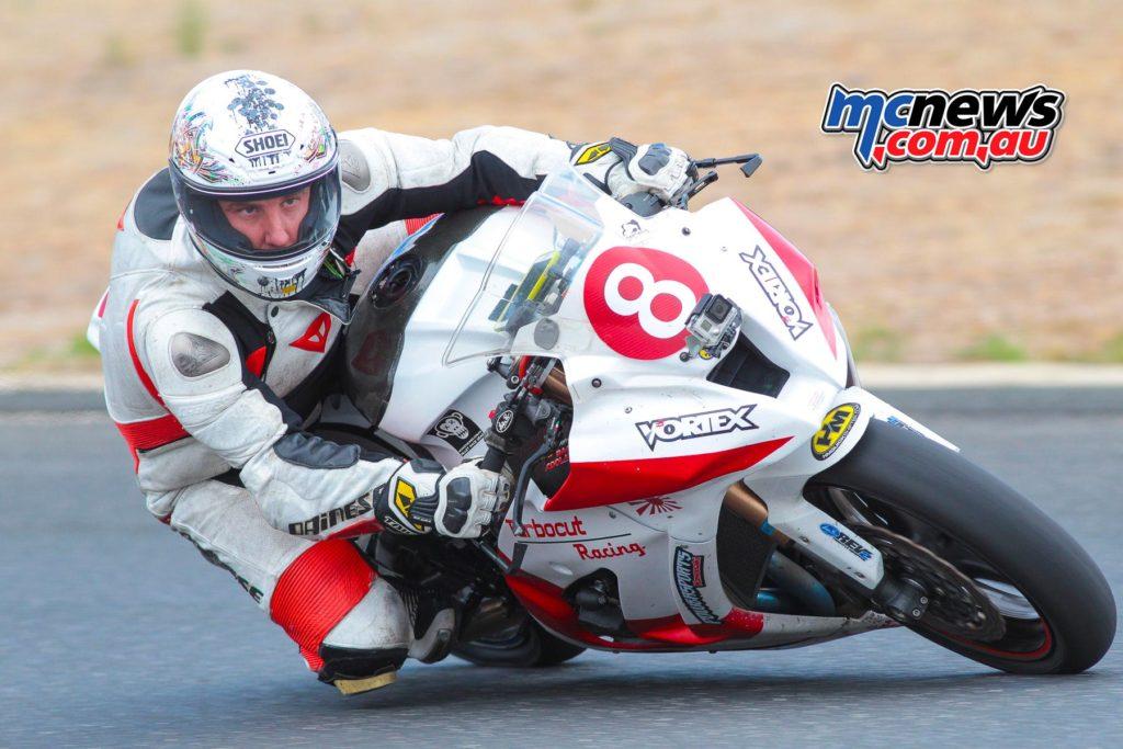 2017 Hartwell Championship - Rnd 1 - Superbike - Steve Rubinic - Image: Cameron White