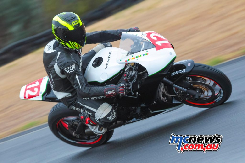 2017 Hartwell Championship - Rnd 1 - Superbike - Wayne Kulmar - Image: Cameron White