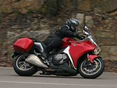 Riding Around Australia - 2010 Honda VFR1200F