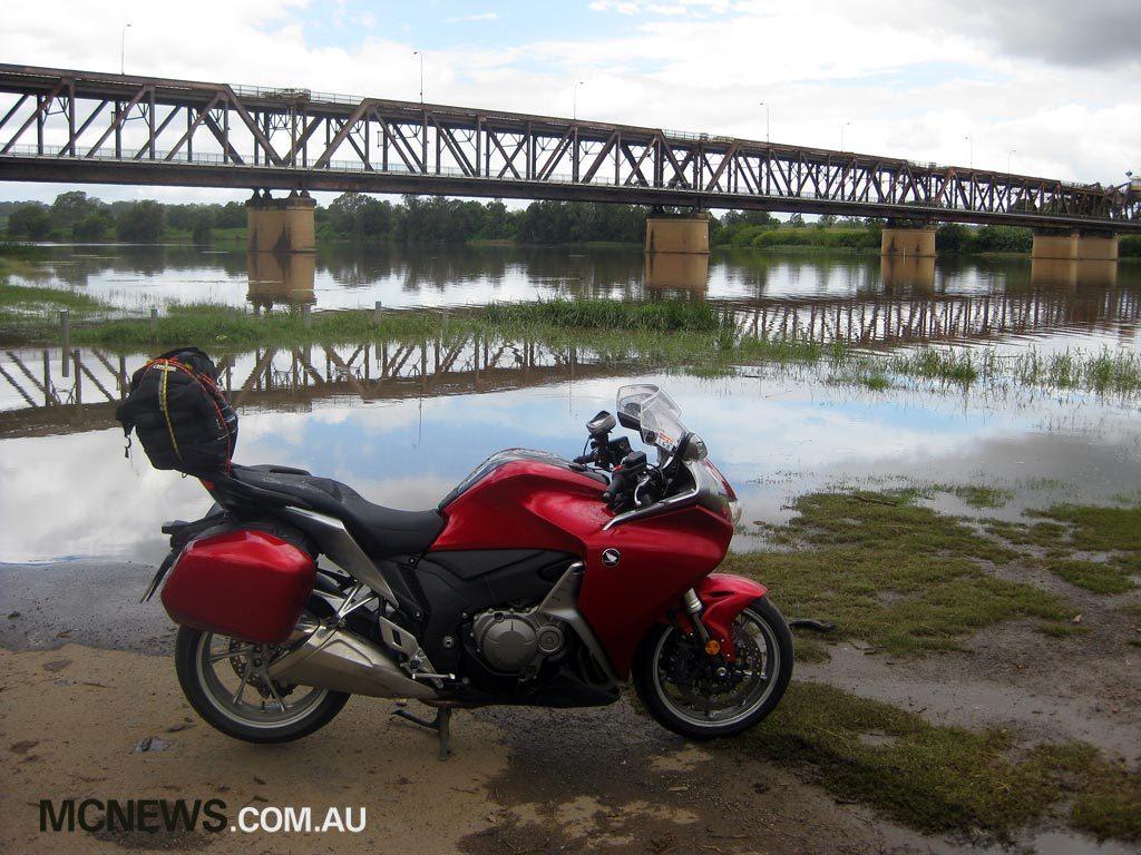 Riding Around Australia - Clarence River