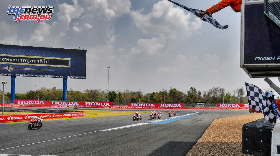 Asia Talent Cup - Thailand - Race 1 checkered flag