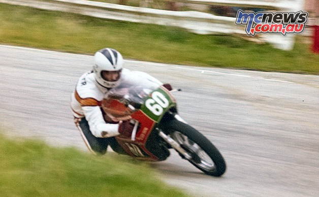Steve Trinder with his fairings still intact - Hume Weir, 1976
