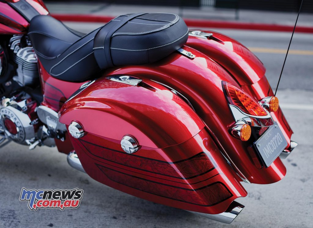 2017 Indian Chieftain Elite - Colour matched baggage feature speakers
