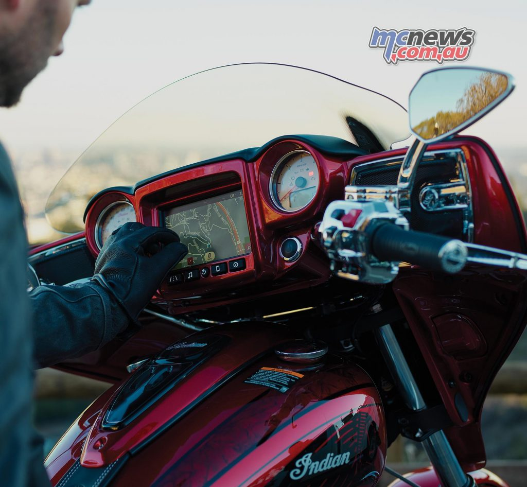 2017 Indian Chieftain Elite - Ride Command infotainment system