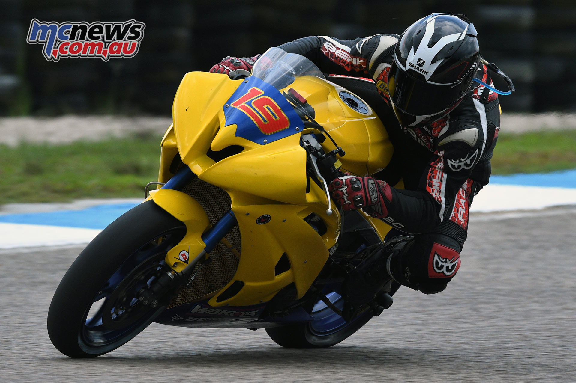 Aaron Morris raced on board a second hand race machine purchased just the week before the opening ARRC round. He was originally slated to ride Anthony West's supersport machine.