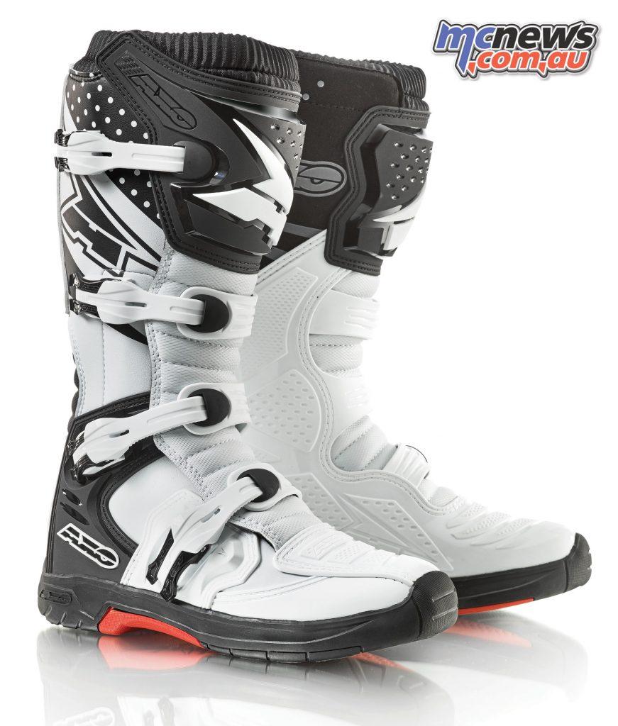 AXO MX One boots - Black/White