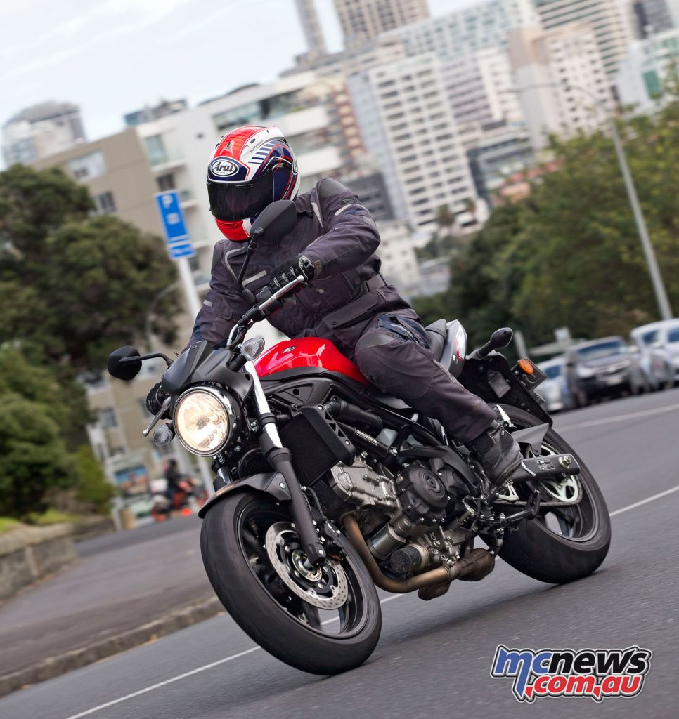 The SV650 features good power delivery from tickover revs and through to 5000rpm is strong