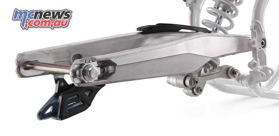 A hollow, cast aluminium swingarm is fitted to the 2018 Enduro range