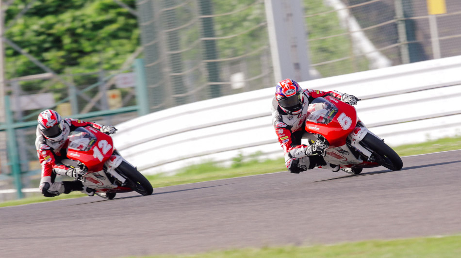 Kunii and Yamanaka battle it out in Race 1