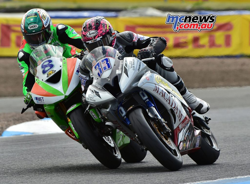 Keith Farmer made it two Dickies British Supersport victories in a row at Knockhill, passing Andrew Irwin at the final hairpin on the final lap.
