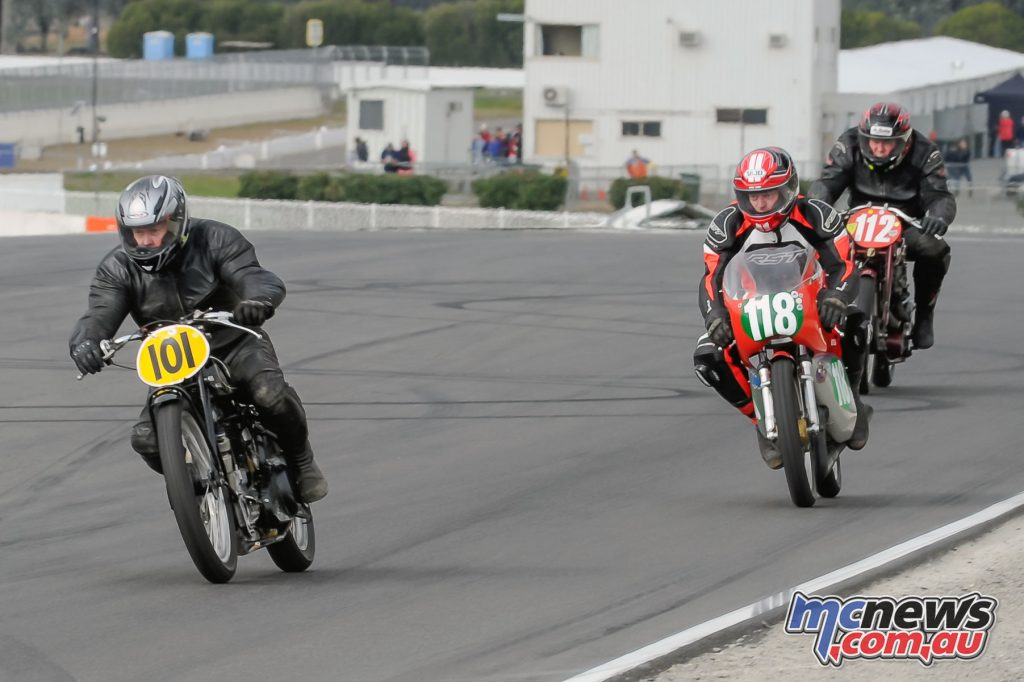 David Morse (#101 KTT Velocette) leading Peter O'Neil (#118) and Stan Mucha (#112) in the Ken Lucas Handicap race at Winton