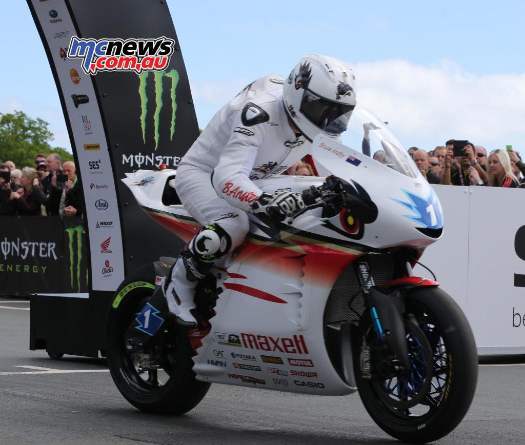 Bruce Anstey in the Zero TT
