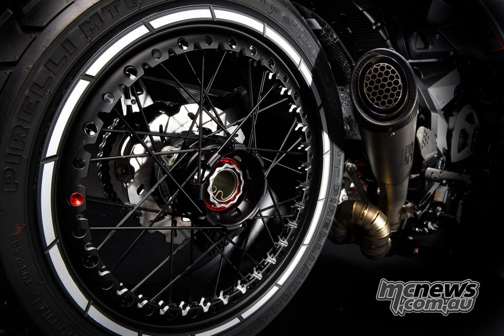 Wire-spoked machined Kineo wheels