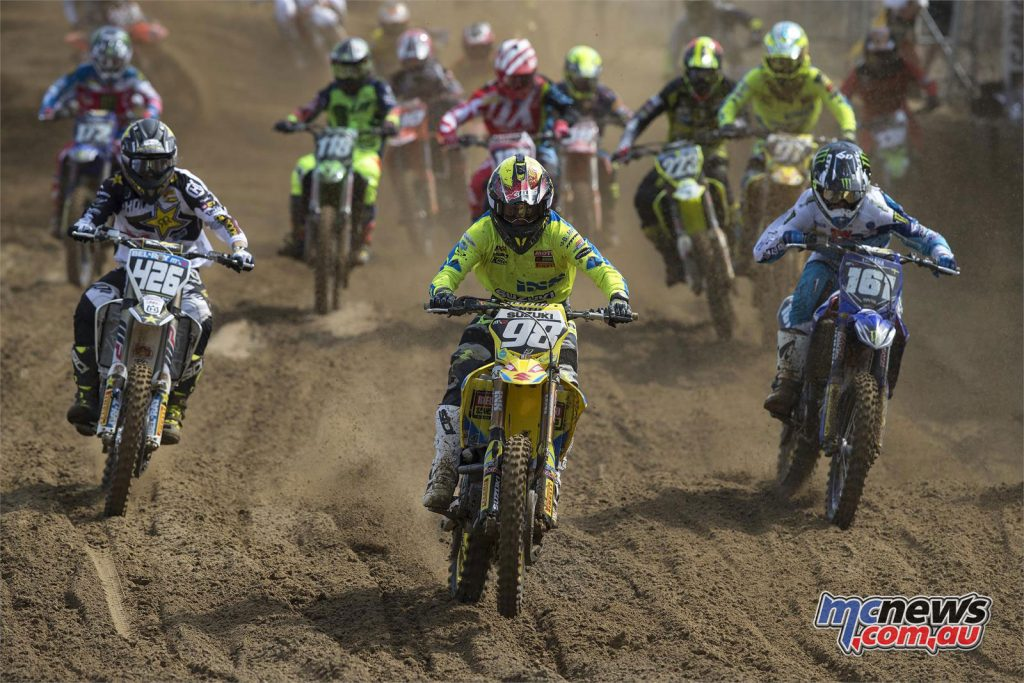 Bas Vaessen leading the MX2 field