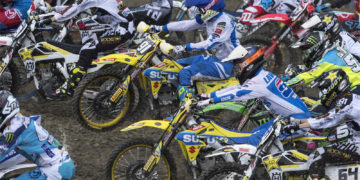 Jeremy Seewer and Hunter Lawrence setting off in MX2