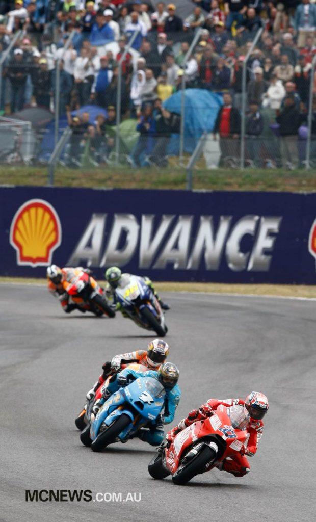 Casey Stoner leads Chris Vermeulen - Mugello 2009