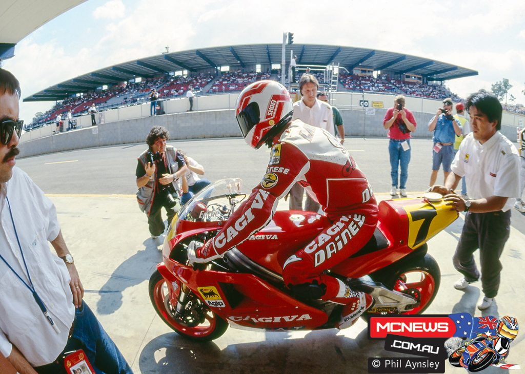 Eddie Lawson in pit lane on the Cagiva C591