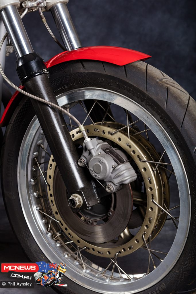 The Münch-URS also had a notable front brake setup