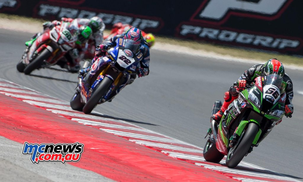 Alex Lowes chases Tom Sykes