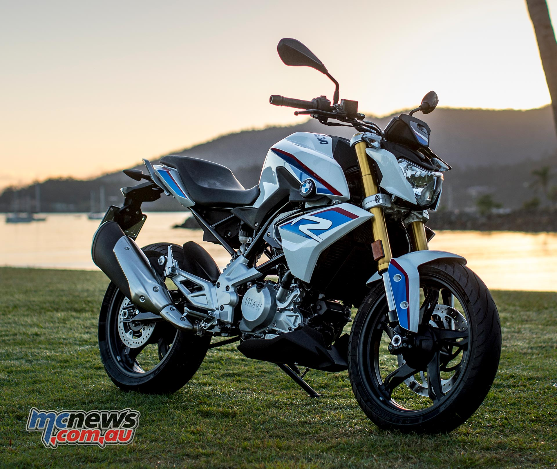 bmw g 310 r review bmw hits lams market. Black Bedroom Furniture Sets. Home Design Ideas