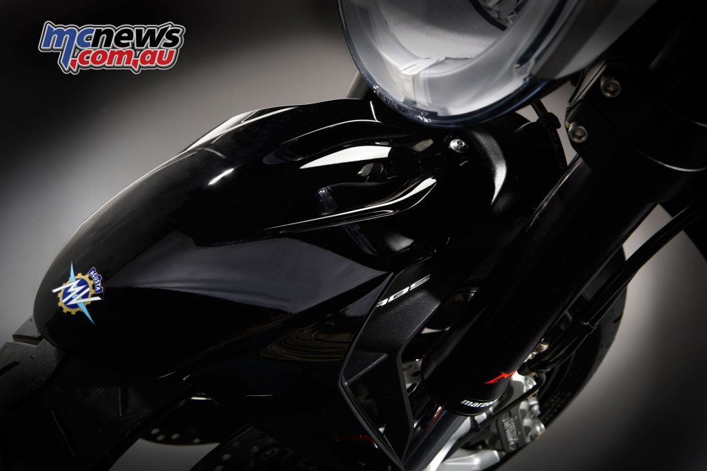 The America features Gloss Black guards and instrument cowl to help accentuate the bike's America paint scheme