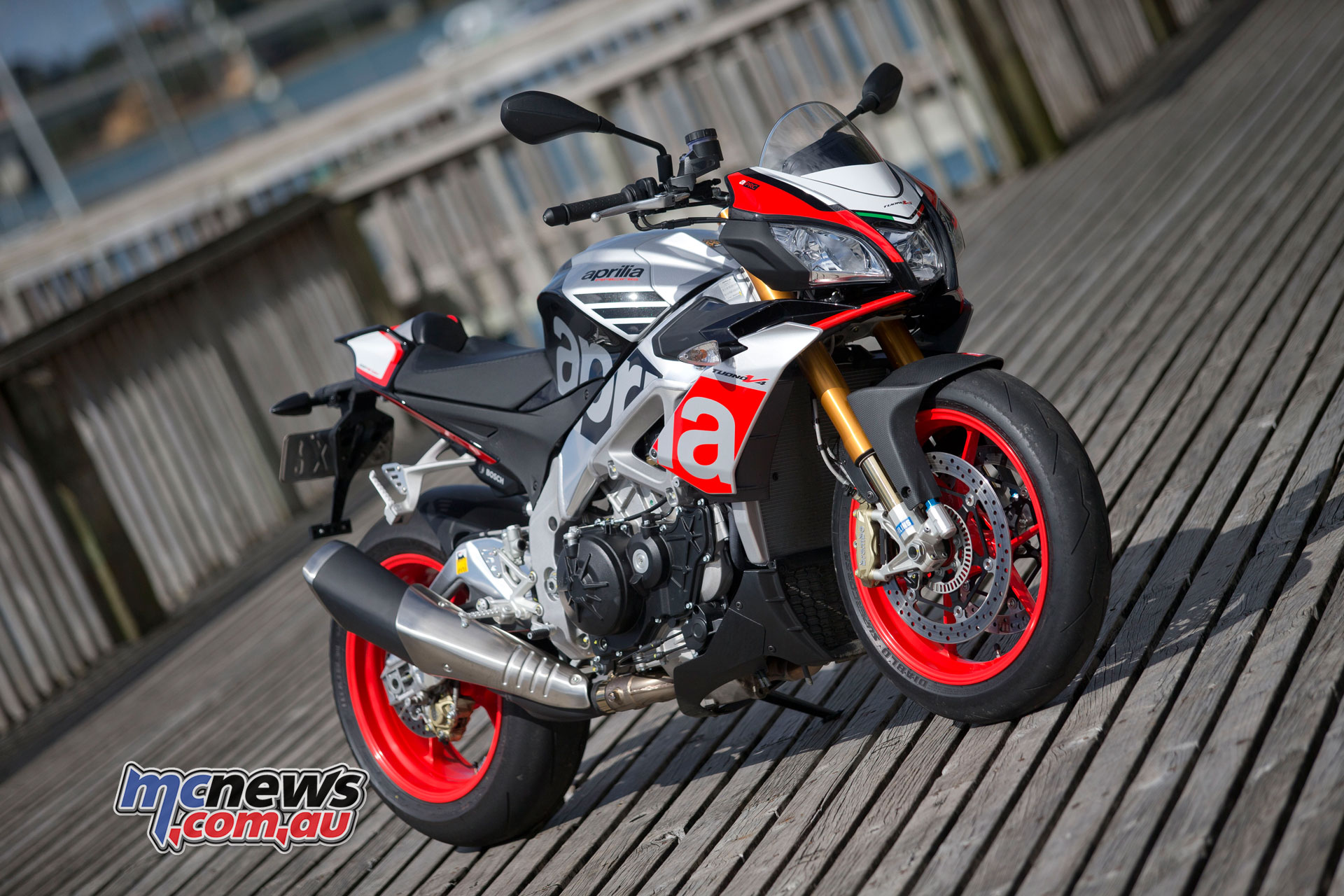 Aprilia Tuono V4 1100 Factory Review 175hp 121nm Motorcycle News Sport And Reviews