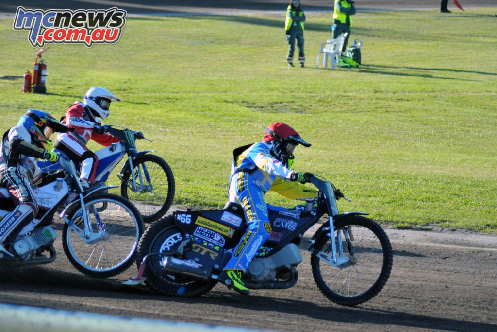 Fredrik Lindgren led his team to victory to join Poland and Great Britain at Saturday's Final at Polish track Leszno