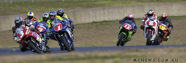 Damon's dad Tony Rees leads Craig Coxhell and Robbie Baird while racing in Australia during 2003 for Bikebiz Yamaha