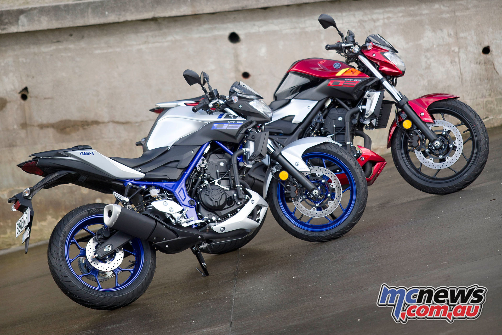 yamaha mt 03 review r3 based lams nakedbike. Black Bedroom Furniture Sets. Home Design Ideas
