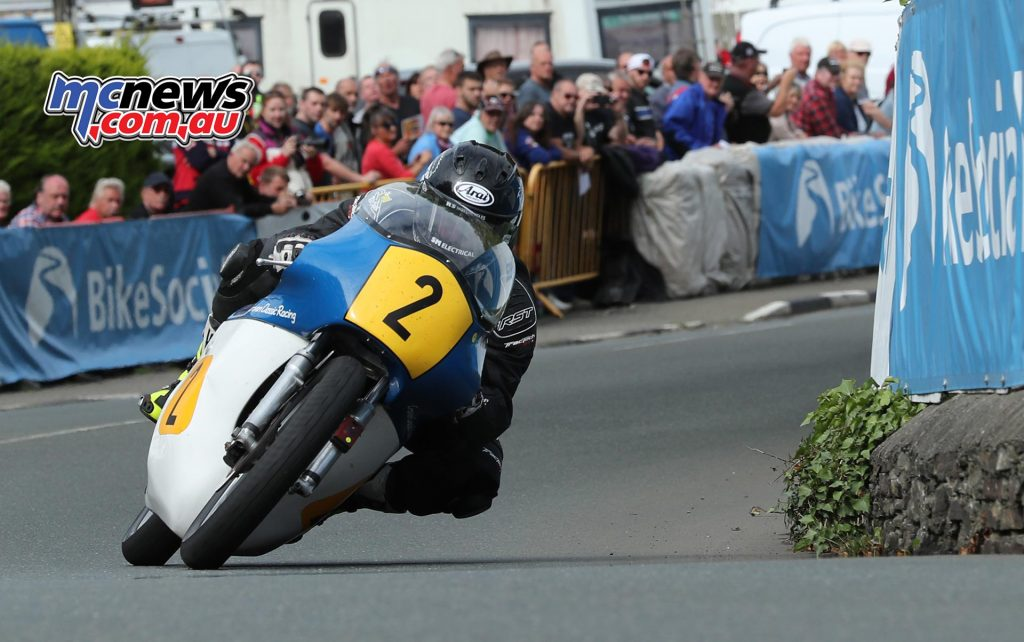Jamie Coward (500 Norton/Ted Woof/Craven Manx Norton) at Ginger Hall during the Bennetts Senior Classic TT race. PICTURE BY DAVE KNEEN/PACEMAKER PRESS