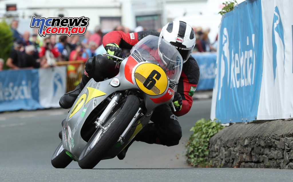 William Dunlop (500 Honda/Davies Motorsport) at Ginger Hall during the Bennetts Senior Classic TT race. PICTURE BY DAVE KNEEN/PACEMAKER PRESS