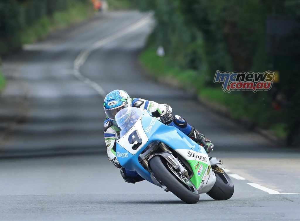 Dean Harrison (750 Kawasaki/Silicone Engineering) at Ballacraine during qualifying for the Bennett's Classic TT.