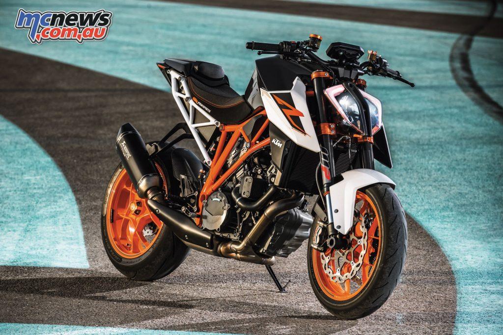 The Beast 2.0 - The 2017 KTM 1290 Super Duke R