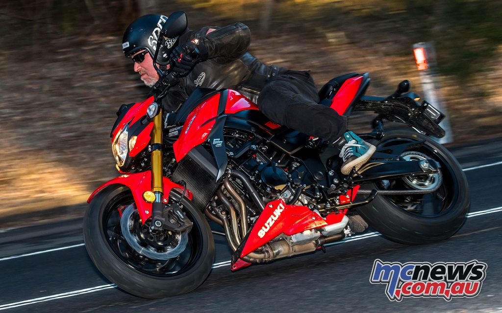Aesthetically the GSX-S750 is pretty good taking cues from the GSX-S1000