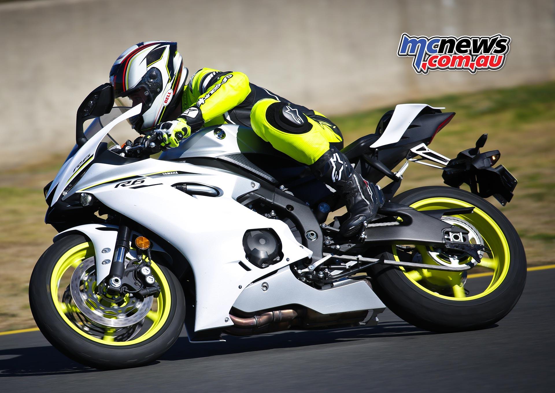 A motocross kid, a racetrack & Yamaha's new YZF-R6   MCNews
