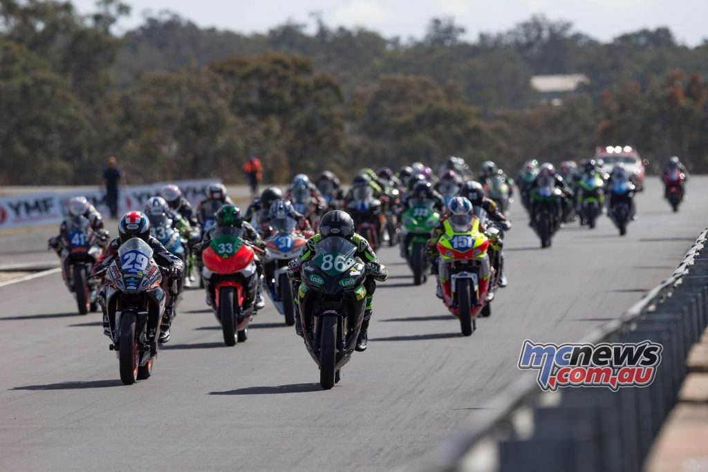 Hi-Tec Batteries Supersport 300 Race Two Start - Image by TBG