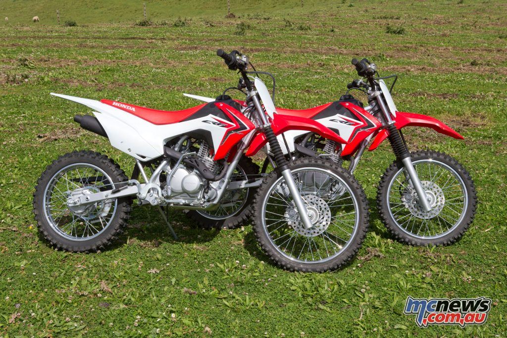 The CRF125F and CRF125FB compared - The FB includes the larger 19/16in wheels