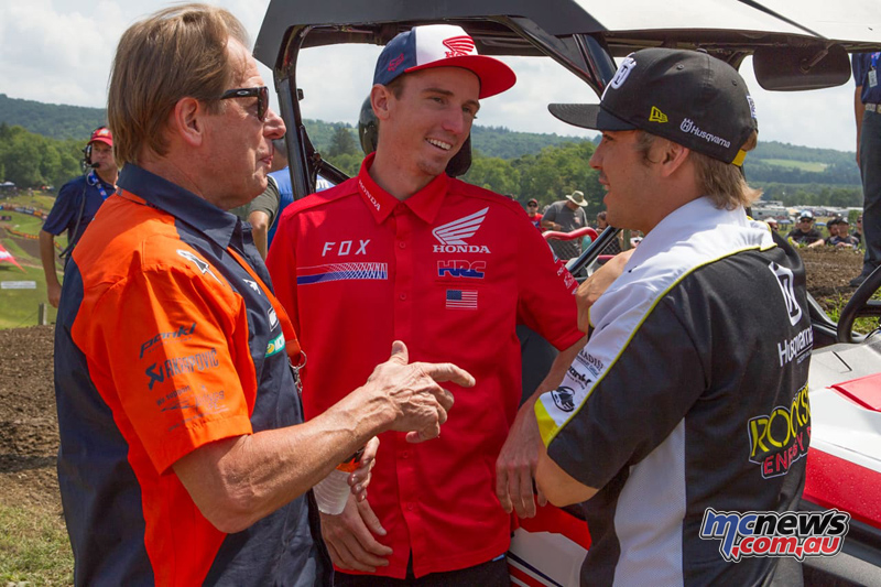 Cole Seely, Zach Osborne and Team Manager Roger DeCoster talking MXoN