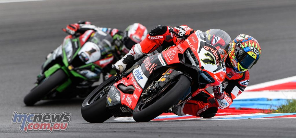Chaz Davies leads Jonathan Rea at Lausitzring