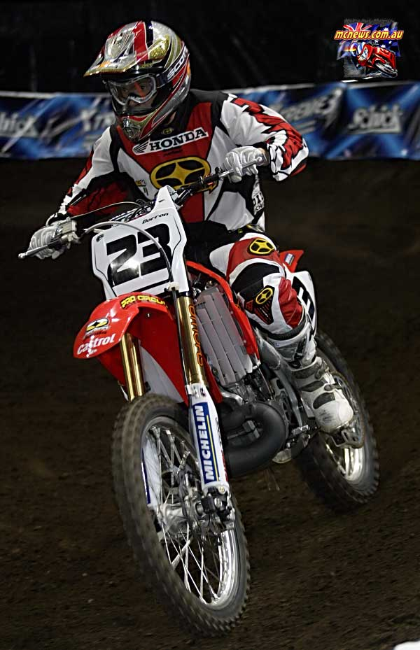 2004 Australian Supercross Nationals Championship - Sydney Superdome - Round One - Troy Dorron