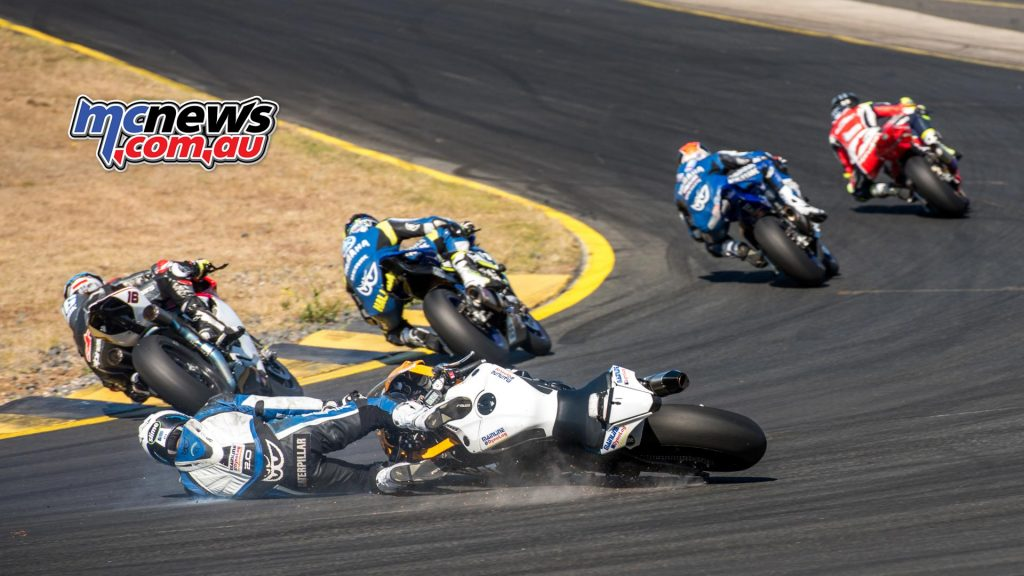 Daniel Falzon crashes out of race two at SMP - Image by Half Light