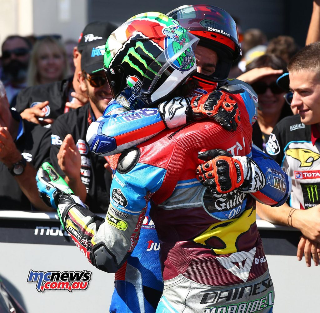 Moto2 Aragon 2017 - Image by AJRN - The two prime combatants embrace after the race - Franco Morbidelli and Mattia Pasini