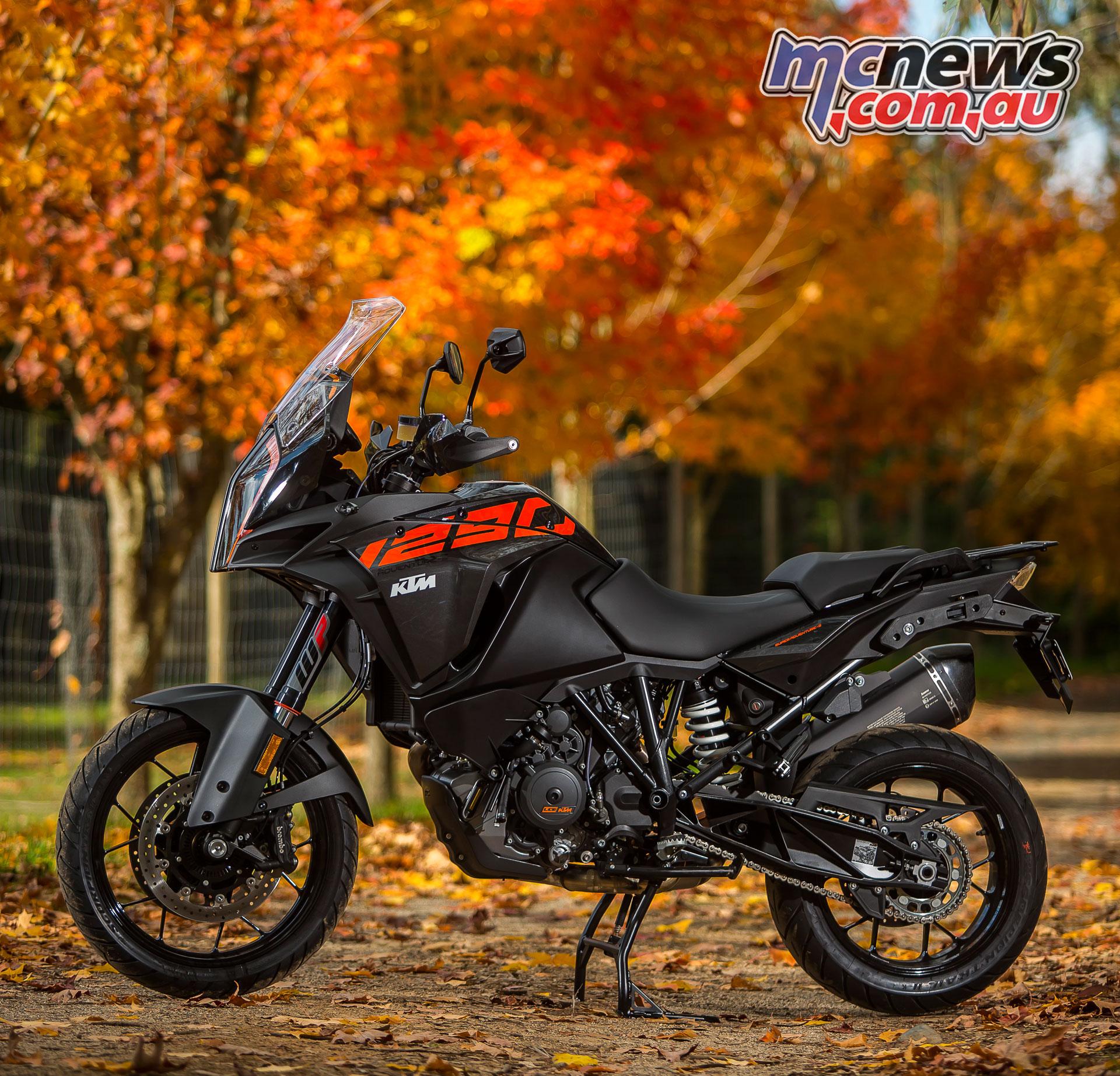 2017 Ktm Adventure Models Reviewed 1290 1090 Mcnews