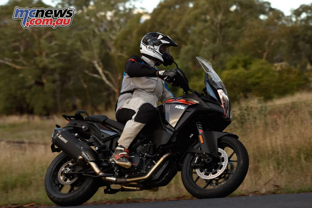 The 1290 S features semi-active suspension and is both comfortable and hoonable