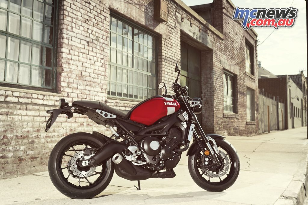 The XSR900 features the liquid-cooled, 850cc, in-line 3-cylinder, 4-stroke