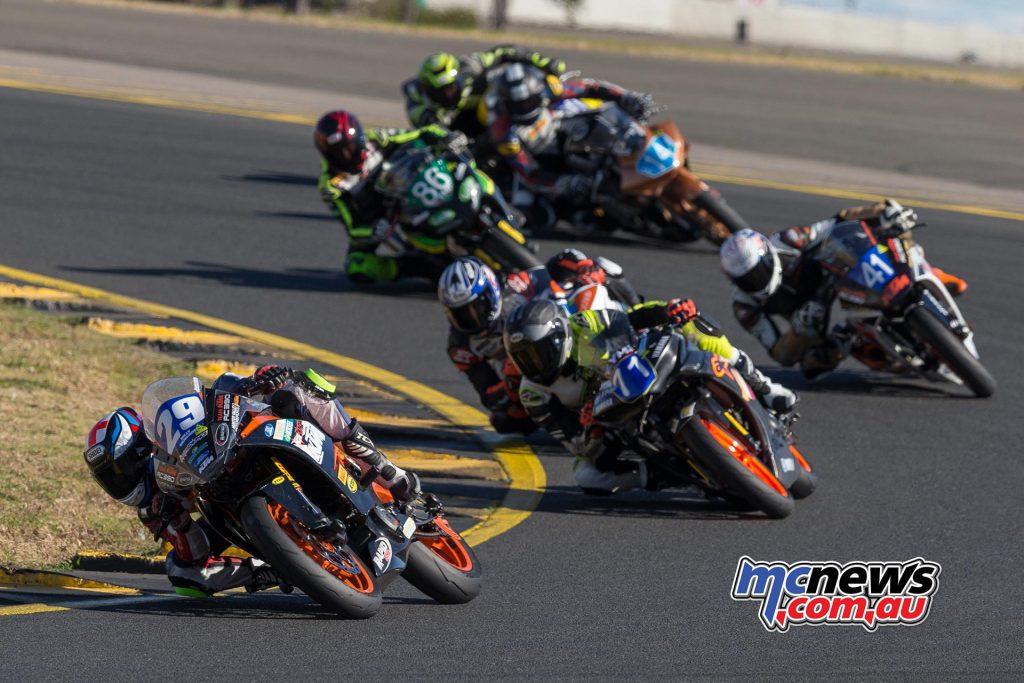 Hi-Tec Batteries Supersport 300 - Race One - Image by TBG