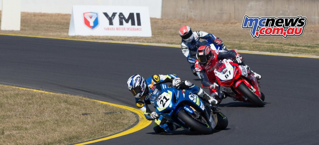 Josh Waters leads Bryan Staring and Wayne Maxwell at Sydney Motorsports Park - Image by TBG